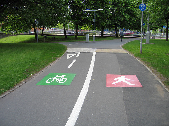 Cycle & footpath in Manchester