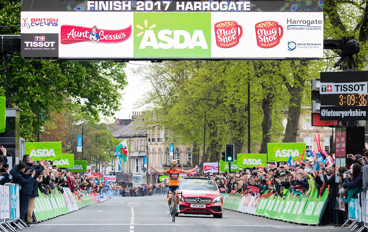 Lizzie Deignan wins women's Tour de Yorkshire 2017 in Harrogate