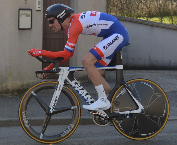 Tom Dumoulin in Dutch national time trial champion's jersey